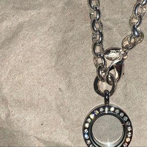 Origami Owl Silver Dangle Bracelet w Mini Locket